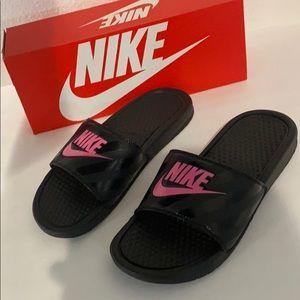 Authentic Nike signature slide rubber sandals sz 8